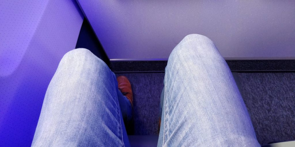 LOT regional Business Class Seat Pitch