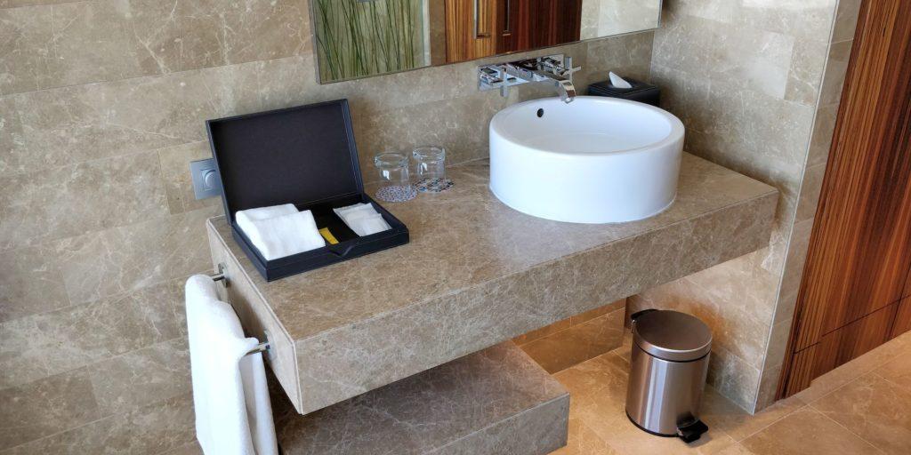 Andaz Capital Gate Abu Dhabi Bathroom