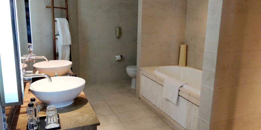 InterContinental Hanoi Westlake Bathroom