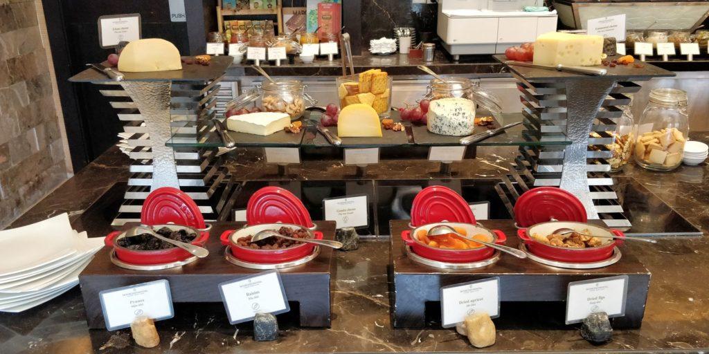 InterContinental Hanoi Westlake Lounge Dinner