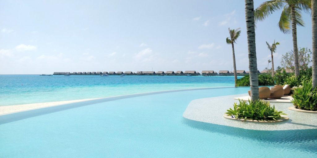 Waldorf Astoria Maldives Ithaafushi Pool